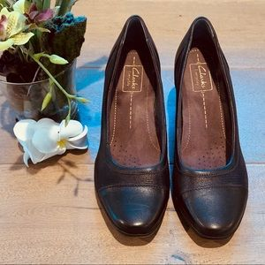 Clarks Brown Wedge Shoes Size 9M